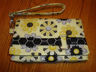 Kiss Clutch by Frog's Crafty Creations - A ChrisW Designs PDF Pattern