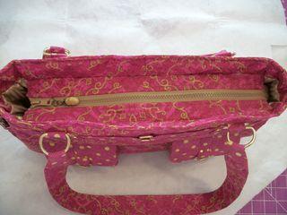 Top Zipper Gusset of Olivia - A ChrisW Designs PDF bag pattern