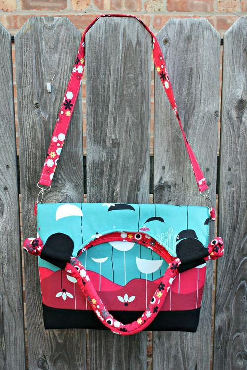 Lapin noir bag by Sara of Sew Sweetness - A designer bag sewing pattern