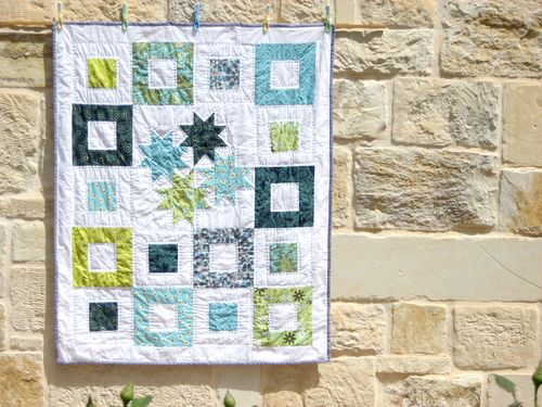 Click here to find the tutorial for the baby Stars Quilt!