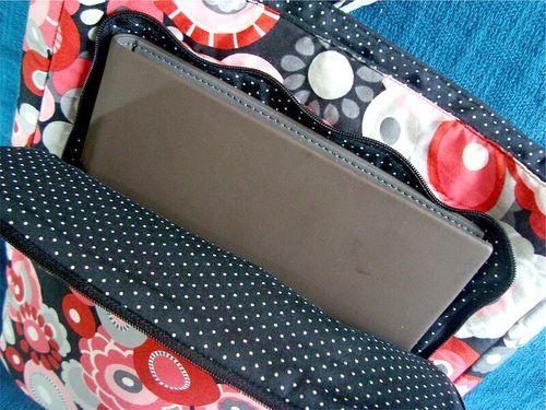 View of the Ipad Pocket on Camila's Lombard Street bag