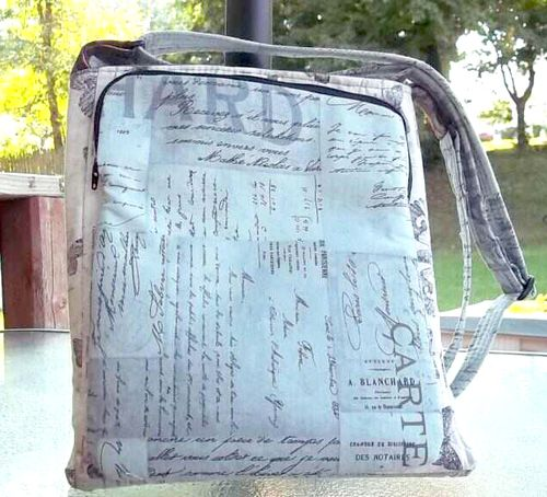 View of the iPad pocket on Patricia's Lombard Street Cross the Body bag