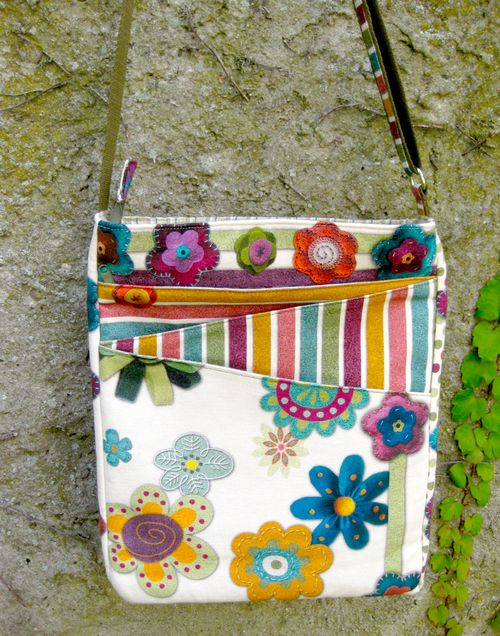 Front view of Liz's Lombard Street Bag