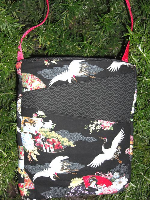Patricia's Lombard Street Bag! A cross the body hipster pattern qwith iPad pocket by ChrisW Designs