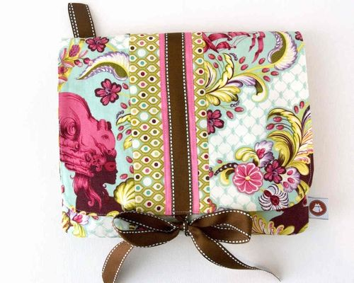 iPad Case - A Free Tutorial by Melissa Mortenson