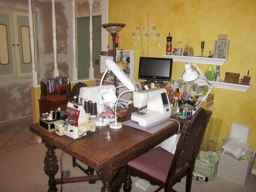 Lorraine Slavkovsky's sewing room!
