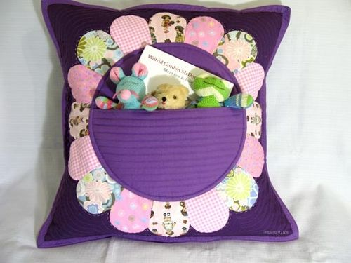 Petal Pocket Pillow by Pam of Threading My Way