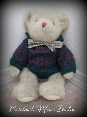 Knit Teddy Bear Sweater by Daryl Perry!