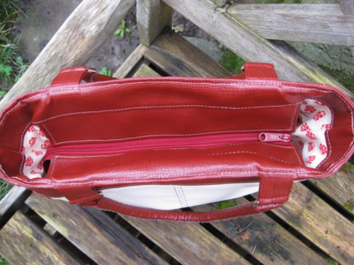 Liz's Recessed Zipper on her Uptown Girl Bag! - A ChrisW Designs PDF sewing pattern!