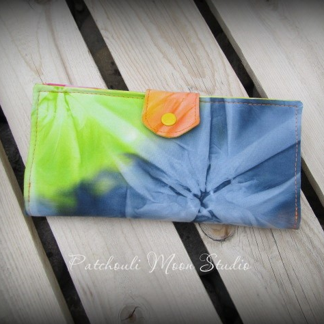 Pick A Pocket Wallet by Daryl of Patchouli Moon Studio