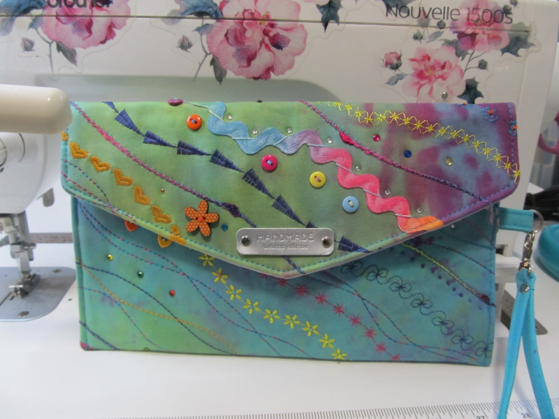 Picture 2 Daryl's Decorative Clutch
